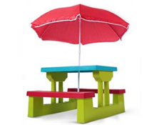 image259 Kindersitzgruppe (bis zu 4 Kinder) inkl. Sonnenschirm für 26,95 Euro