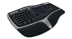 key4000 300x165 MICROSOFT Natural Ergonomic PC Tastatur 4000 für €29,90