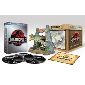 51sraxhc7al. sl500 aa300  Jurassic Park Ultimate Trilogy (Limited Collectors Edition inkl. T Rex Figur) [Blu ray] [Limited Edition] für 27,97€
