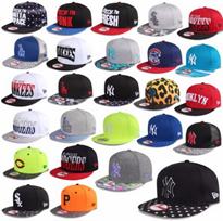 Bild zu New Era Caps in verschiedenen Farben für je 14,90€