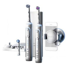 Bild zu BRAUN Oral-B Genius 8900 elektrische Zahnbürste mit 2. Handstück für 99,90€