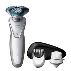 Bild zu Philips S7530/50 Rasierer mit Peeling-Bürste für 105,90€ (Vergleich: 161,58€)