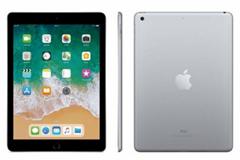 Bild zu Apple iPad 2018 (32GB) 9,7 Zoll Tablet WiFi ab 247,41€ (Vergleich: 298,98€)
