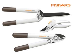 Bild zu Fiskars Baumschnitt-Set für 45,90€ (VG: ~ 92€)