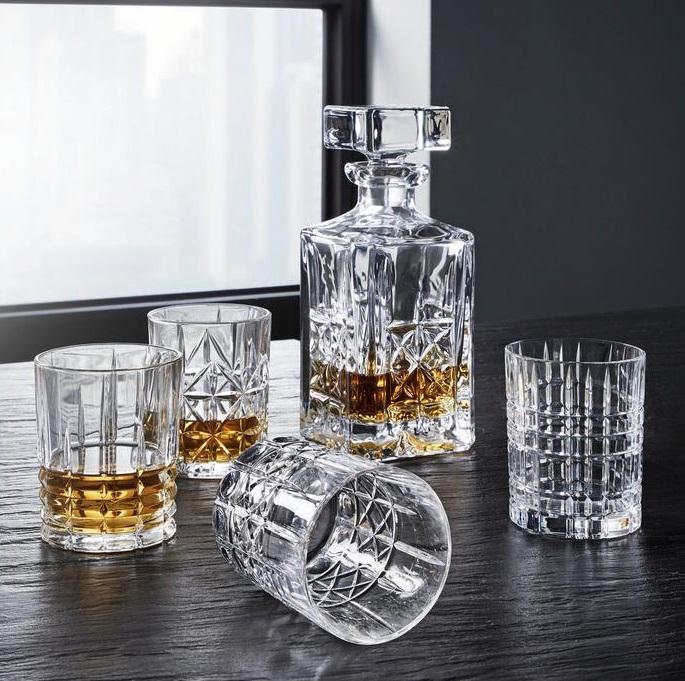 Bild zu 5-teiliges Nachtmann Whisky-Set mit 4 Gläsern und einer Karaffe für 35,85€ (Vergleich: 61€)