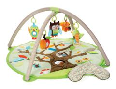 Bild zu SKIP HOP Treetop Friends Krabbel-/Spieldecke für 49,99€ (Vergleich: 67,72€)