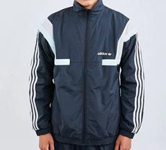 Bild zu adidas BR8 Woven Herren Track Tops in Black-Green-White für 29,99€