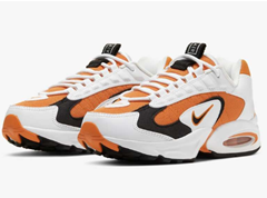 Bild zu Nike Air Max Triax Damen Sneaker in 2 Farben für je 73,83€ (Vergleich: 103,56€)