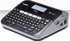 Bild zu Brother P-touch D450VP Beschriftungsgerät (Thermotransfer, 180dpi, bis zu 20mm/Sek, USB, 5-zeiliger Druck) für 59,90€ (Vergleich: 75,40€)