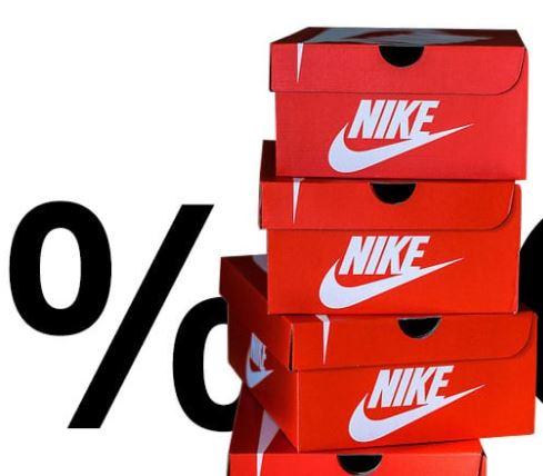 Bild zu Kickz: 30% Rabatt auf Nike Air MAX Sneaker – z.B. Nike Air Max 270 in Photo-Blue für 80,49€ (VG: 139,99€)
