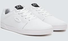 Bild zu Oakley Canvas Flyer Sneaker für 30€ (VG: 52,99€)