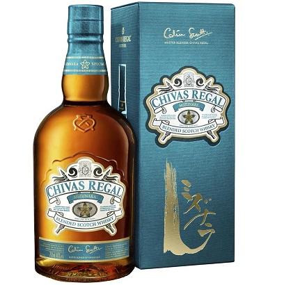 Bild zu 0,7l Chivas Regal Blended Scotch Whisky Mizunara 40% für 38,90€