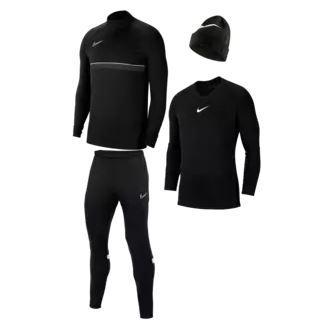 Bild zu Nike Winterset 4-teilig für 59,95€ (VG: 83,91€)